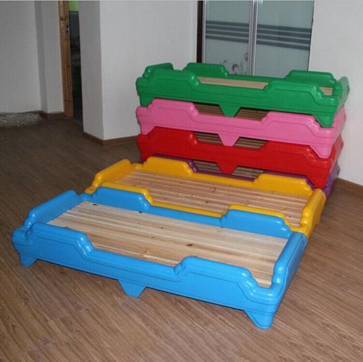 定做多种规格幼儿园双层床 幼儿园专用床 滚塑幼儿塑料床